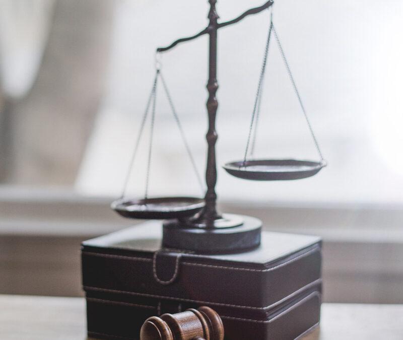 Kündigung des S-Prämiensparvertrages flexibel und/oder anderer Geschäftsbeziehungen der Sparkassen. Erfolgsaussichten einer Klage wegen Verfassungswidrigkeit